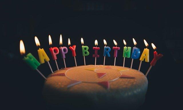tort urodzinowy na prezent dla dziecka