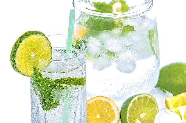 czysta woda do picia