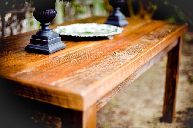 drewniany stol antyk